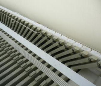 Filter Plate Suspended on Slide Block Sliders